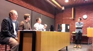 «Kompetanse er mer enn bare kunnskap. Fra venstre Bjørn E. Rasch, Bendik Bøhler, Gisle Hellsten, og ordstyrer fra Europastudier Martin Uleberg.»