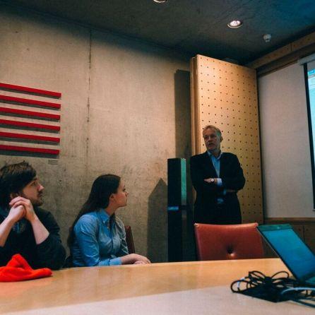 Narve Solheim ved ambassaden